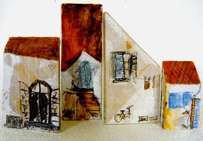 Spielzeug für Groß und Klein, z. B. Baukasten – Holzklötzer papierbezogen und bemalt